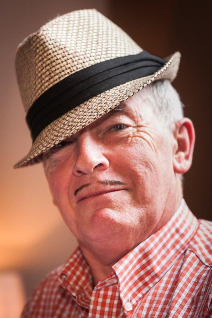 Harlequin's Bob Dagger dressed as a dandy