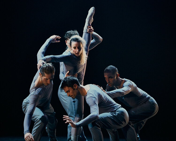 Iratxe Ansa performing Elkarrizketa
