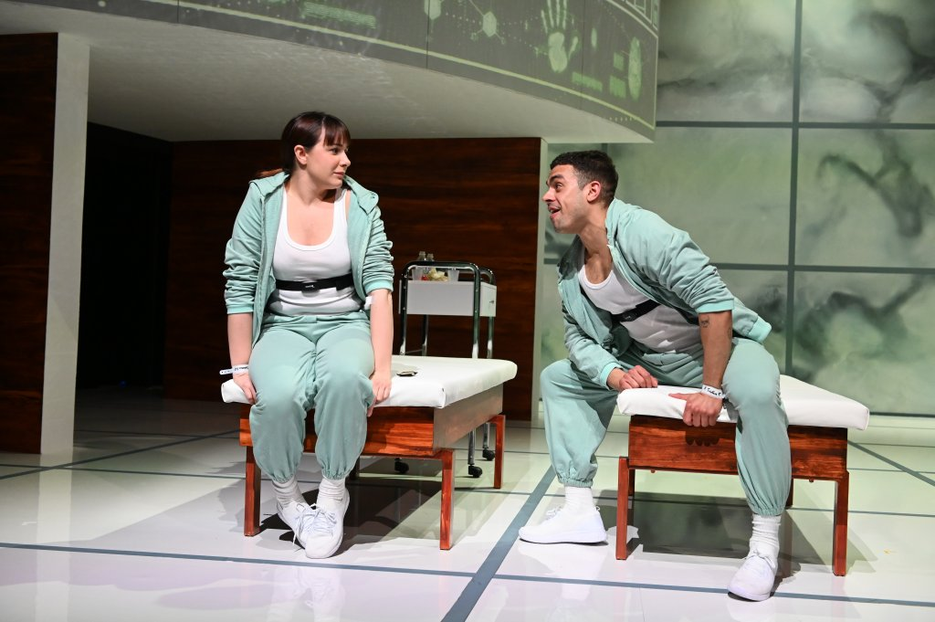 The Effect at the English Theatre Frankfurt: Connie and Tristan wondering about their feelings