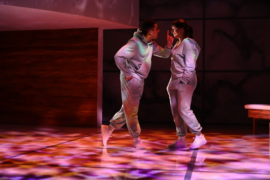 The Effect at the English Theatre Frankfurt: Connie and Tristan falling in love